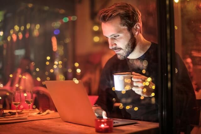 Nos tomamos un café virtual?